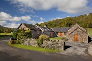 cilwych_farm_cottages